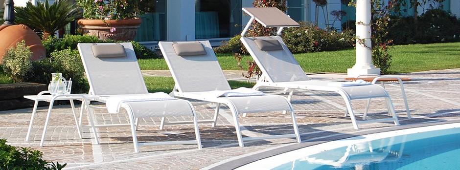Lettini Da Spiaggia Alluminio.Home Bizeta Alluminio Srl Lettini Sdrai E Poltrone In Alluminio